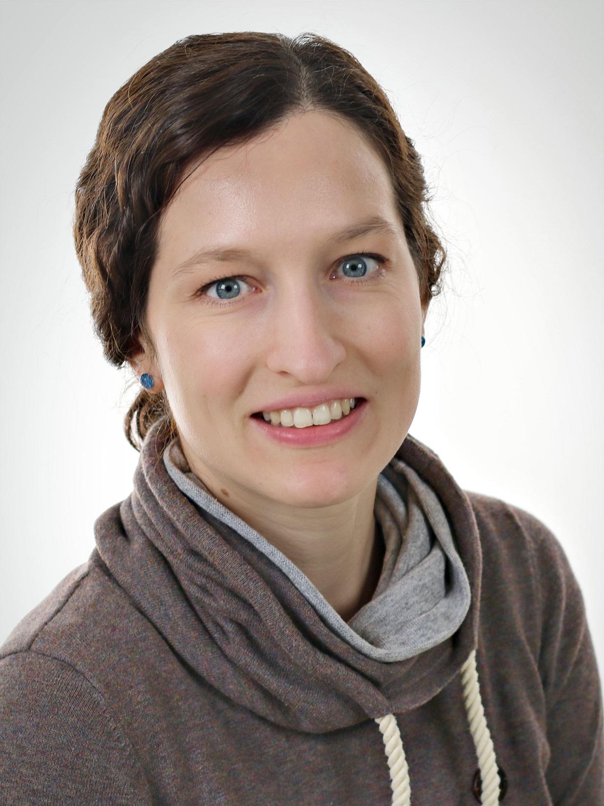 Dr. Angela Riedel